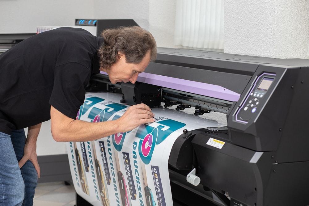 Ap-Druckservice, Andreas Pfefferkorn, Qualitätsfolierungen, Vollverklebungen, Außenwerbung, Digital- & Froßformatdruck